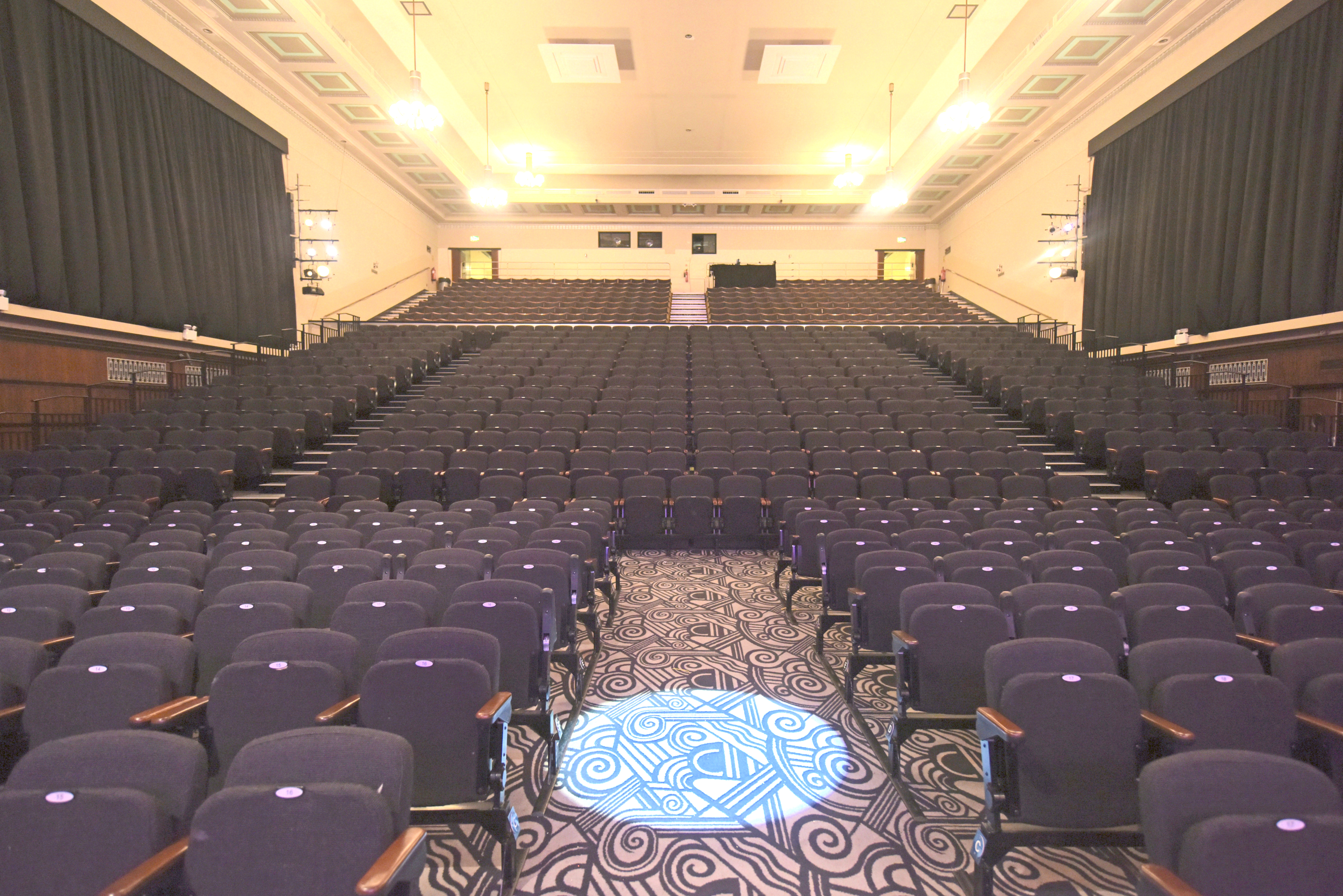 Tunbridge_Wells_Assembly_Hall.jpg